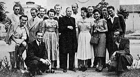 Rev. Tanczak with university students at Erlangen, 1950